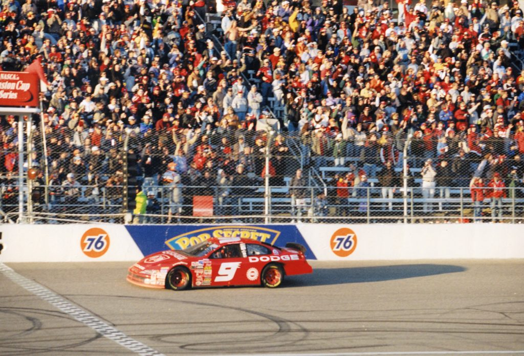 AUTO RACING; Kenseth Wraps Up Points Title